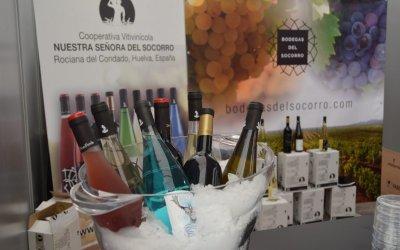 Bodegas del Socorro riega con casi 1.000 litros del mejor vino del Condado la Feria de la Tapa de Huelva